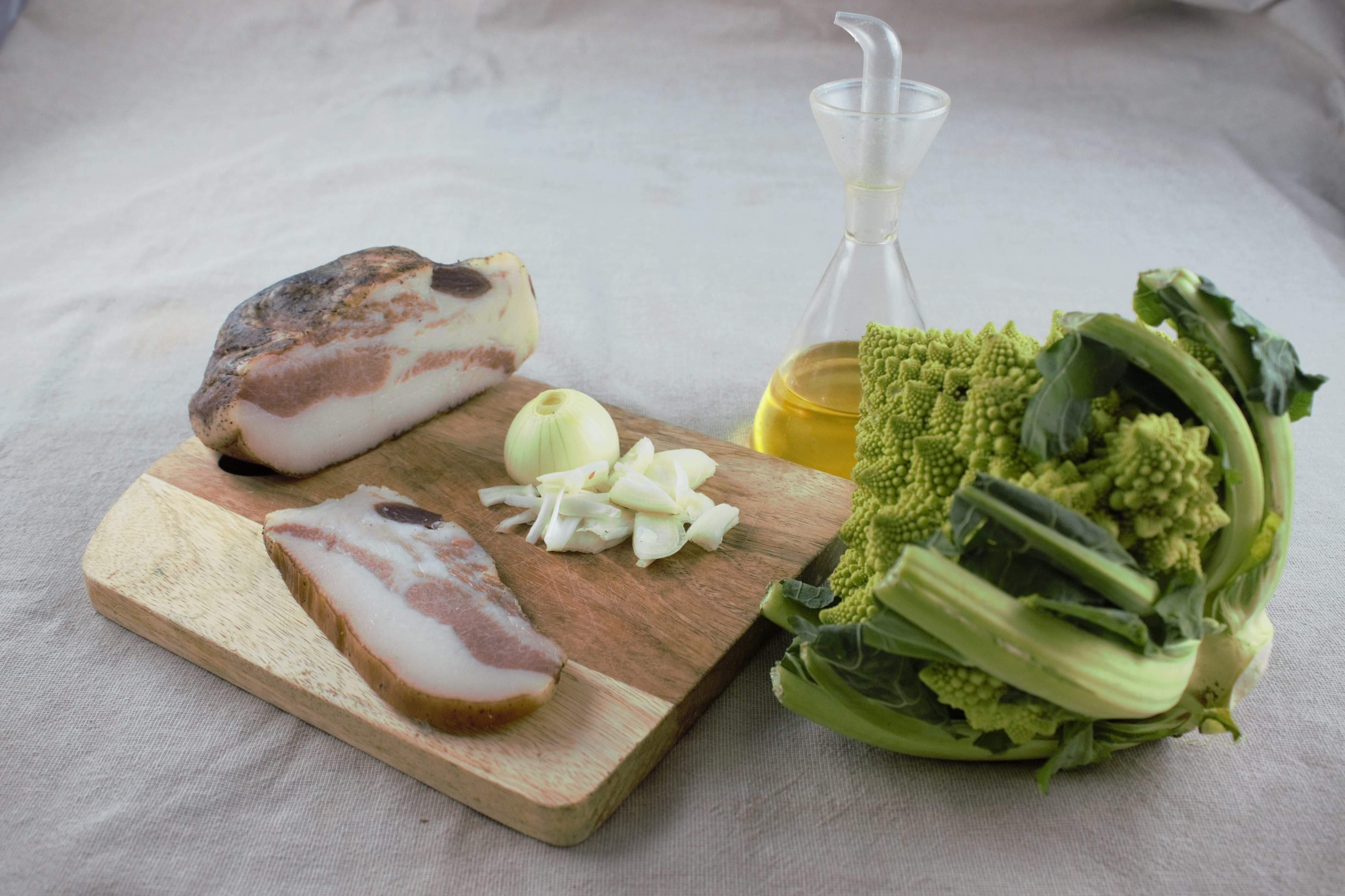 Ingredienti crema broccolo romano e guanciale