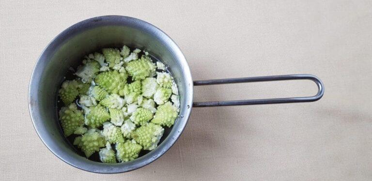 Broccoli romani nel pentolino