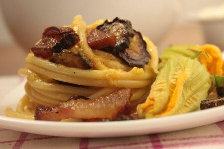 Pasta zucchine e guanciale