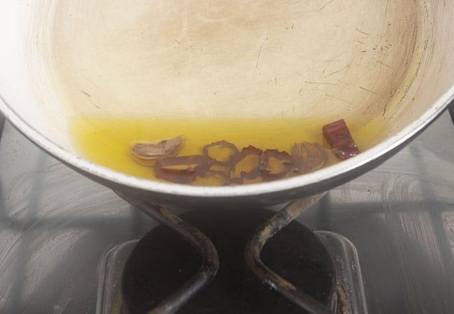 Soffritto aglio e peperoncino