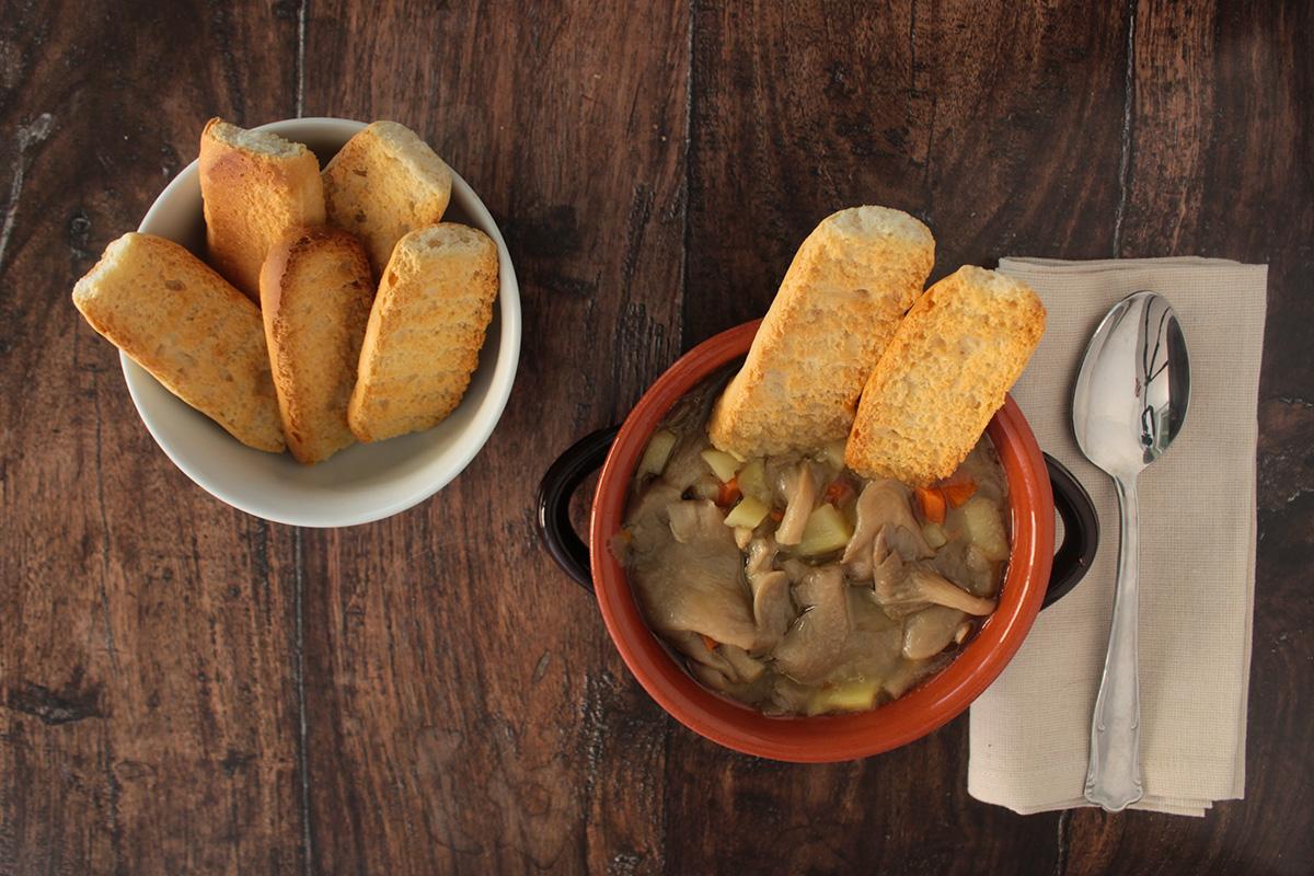 Zuppa di funghi e patate
